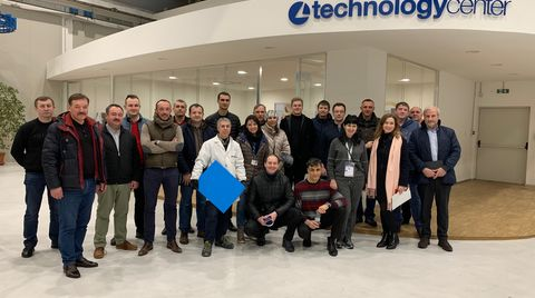Delegazione di clienti russi e ucraini in visita al Technology Center Superfici