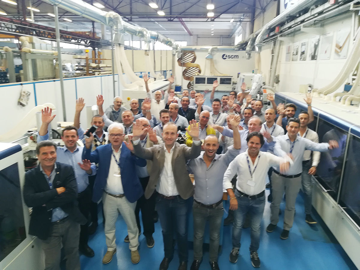 The latest news from SCM on edge banding at the centre of the new Dealer Training for the Italian sale's network