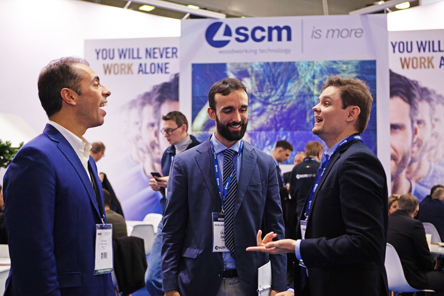 "Woodex, day 2: the SCM team welcomes journalists and visitors for a ""total touch experience"""
