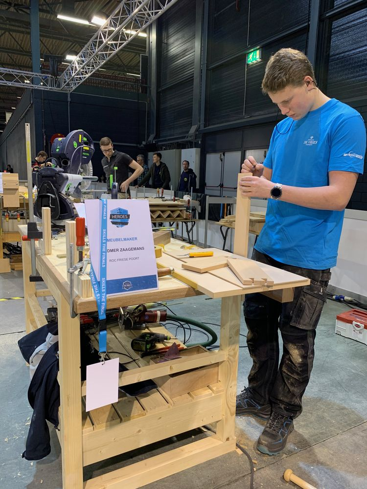 "The finalists of WorldSkills Netherlands play it out with a ""Maestro"" stroke"