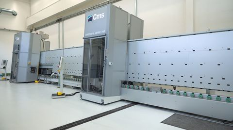CMS Brembana Vertec Mill: the unique vertical cnc machining center able to machine thickness up to 30 mm
